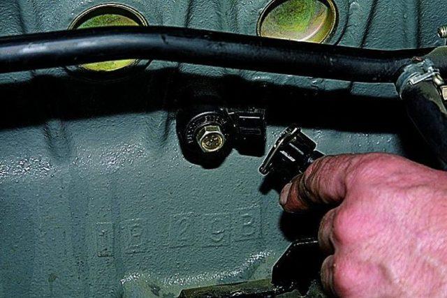 Ремонт и замена датчика детонации на Фольксваген Touareg своими руками